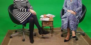 I enerGitte TV taler vi om, hvilke konsekvenser det har, når du spiller en rolle for at andre bedre skal kunne lide dig.